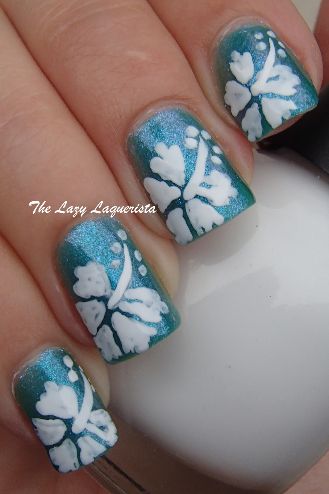 Manicure Manifesto: Hawaiian Flower Nail Art