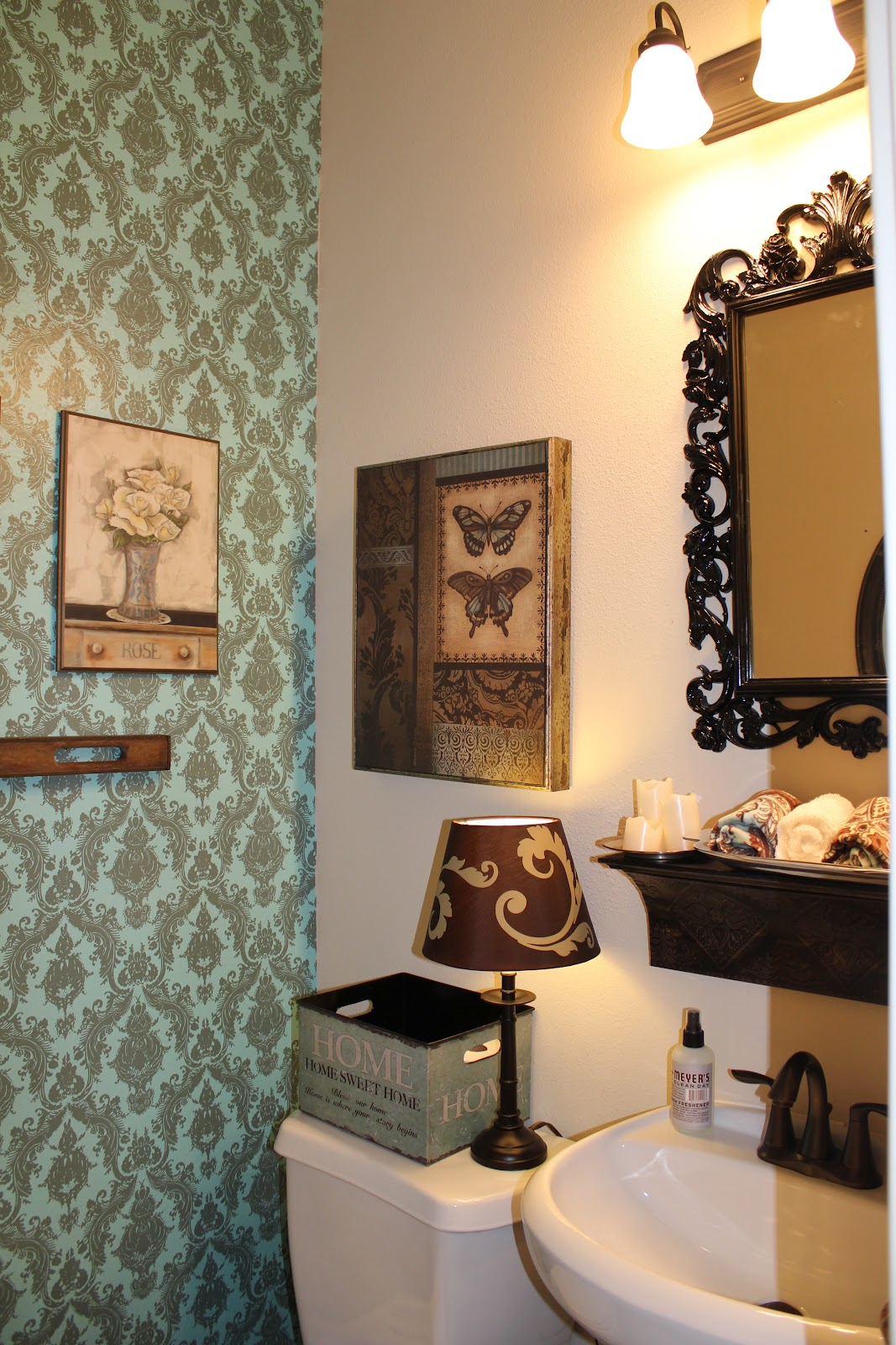 Junk Drawer Chic: Temporary Wallpaper