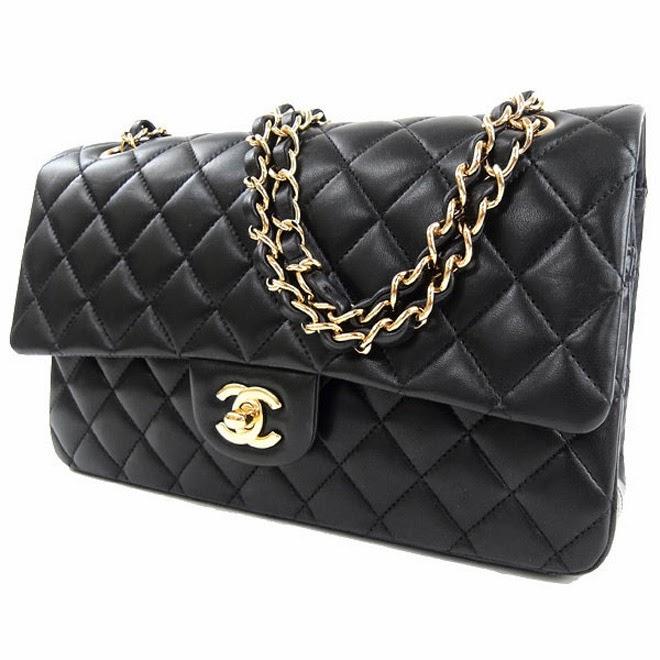 Chanel-matelass%C3%A9-shoulder-bag-blogpixiienet