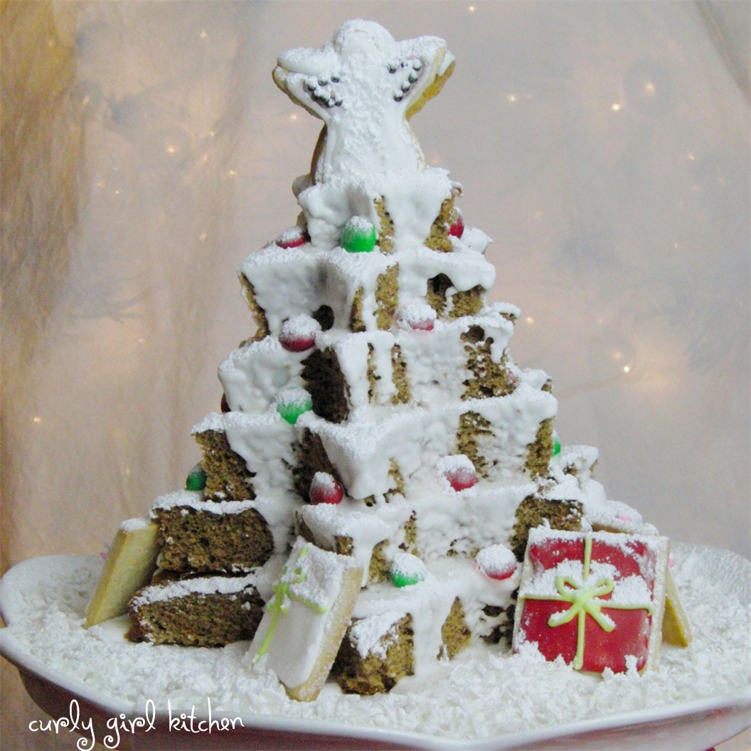 Curly girl kitchen gingerbread cake christmas tree