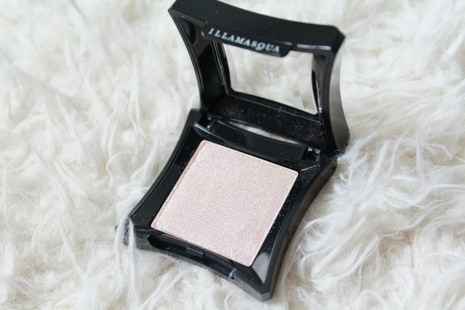 Illamasqua Eyeshadow in Slink
