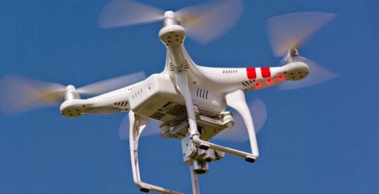 """Στις ΗΠΑ, απαιτούνται αυστηρότεροι κανόνες για τις πτήσεις με μη επανδρωμένα αεροσκάφη """"drones"""", αυτό δεν είναι αρεστό στην Amazon."""