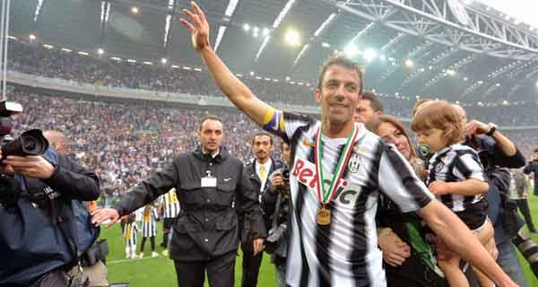 مراسم تتويج اليوفي بلقب الدوري الايطالي الكالتشيو 2012