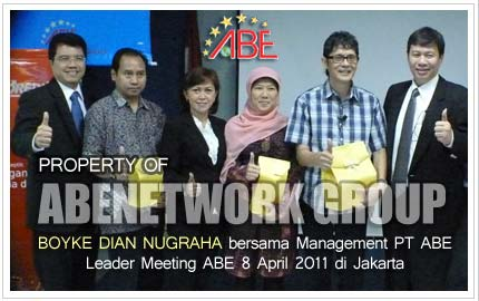 Boyke Dian Nugraha bersama Management