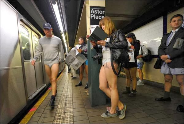 SEXY SUNDAY: No Pants Subway Ride
