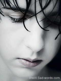 صورة مؤلمة جدا ولد حزين