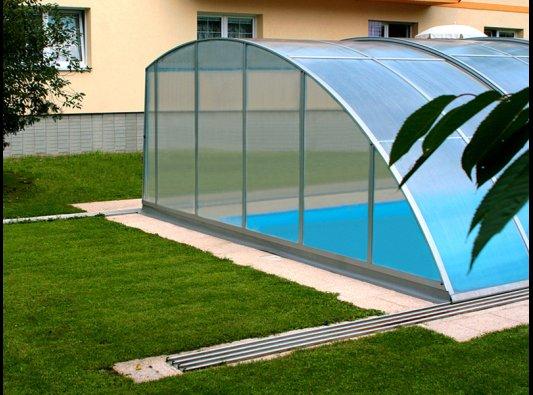 Cierres de piscina correderos en toda espa a for Cerramientos para piscinas