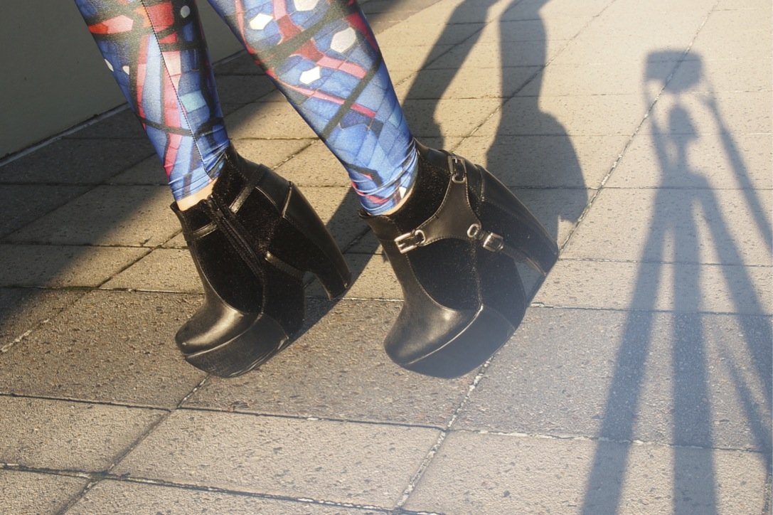 Anthea wears harness buckle cuban boots from ebay on epique blog