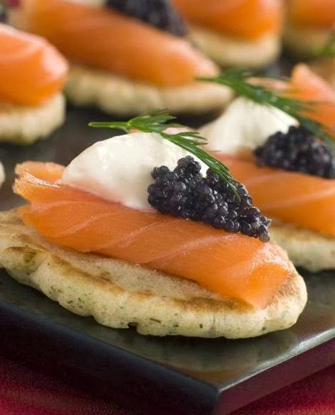 scrumpdillyicious smoked salmon blini with caviar cr me fra che dill. Black Bedroom Furniture Sets. Home Design Ideas