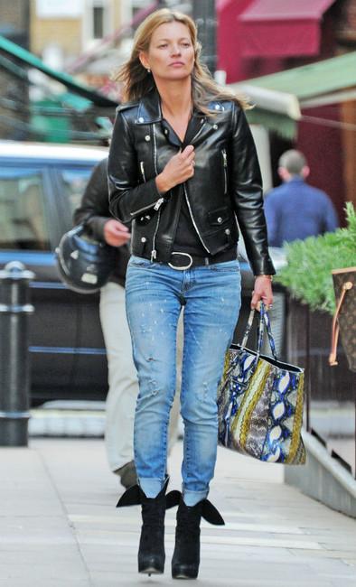 E L L E S A P P E L L E Kate Moss Model Off Duty Style