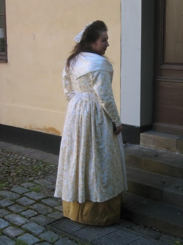 Isis\' Wardrobe: Round gown