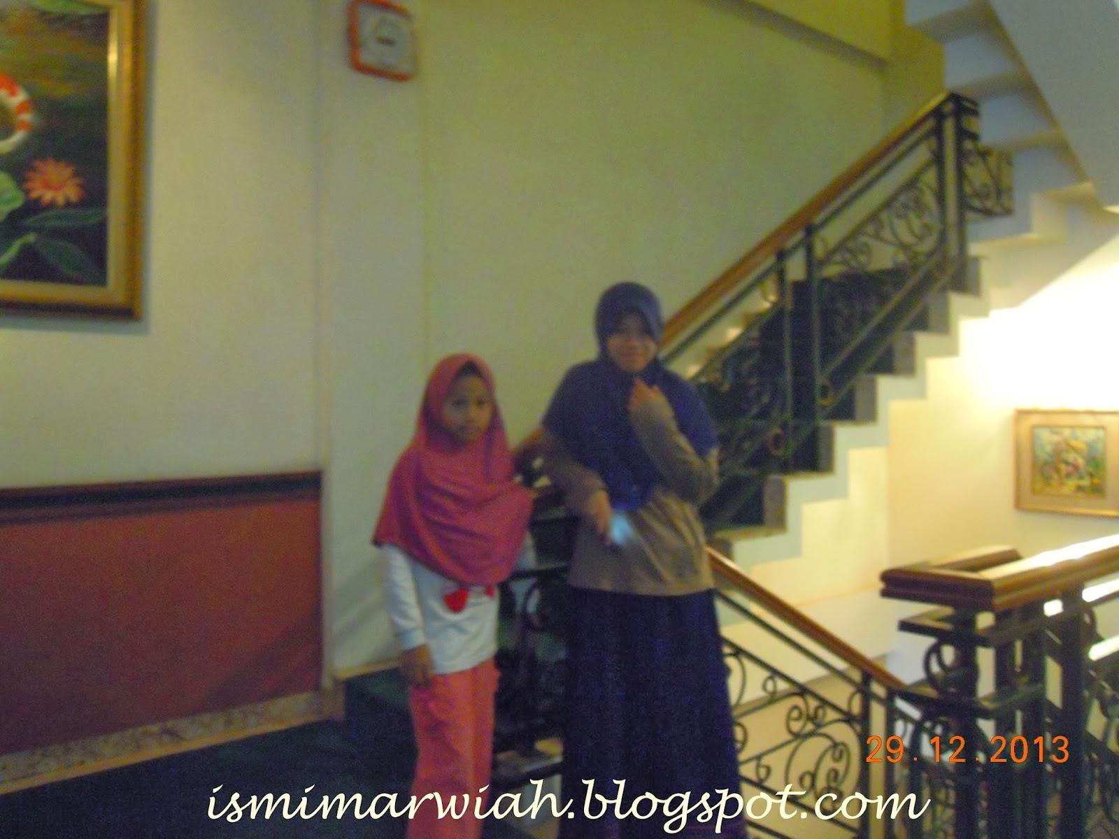 merupakan salah satu hotel berbintang 2 di kota palembang terletak di ...