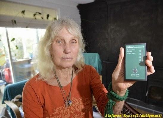 Nenek ini Menderita Masalah Kesehatan Akibat Signal Seluler