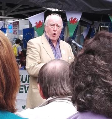 Gwynoro yn rali Cymru dros Ewrop yng Nghaerdydd