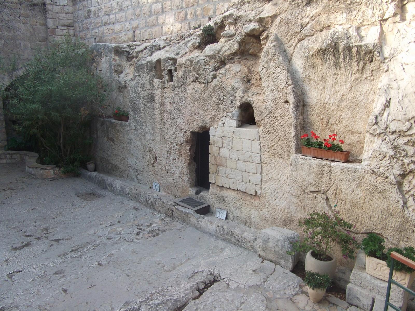 JUDICIARIO JUSTICA JARDIM DA BABILÔNIA, Túmulo de Jesus de Nazaré
