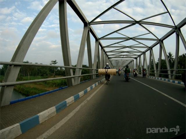 Jembatan Sungai Grindulu