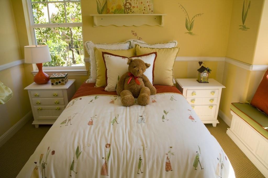 Desain kamar anak remaja tema teddy bear lucu