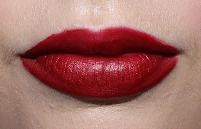 Kat Von D Everlasting Liquid Lipstick in Nosferatu