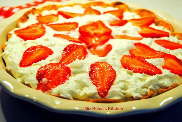 Fresh Strawberry Pie at Miz Helen's Country Cottage