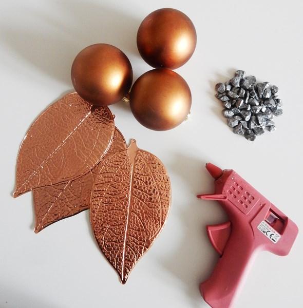 DIY : Un vase en boules de Noël