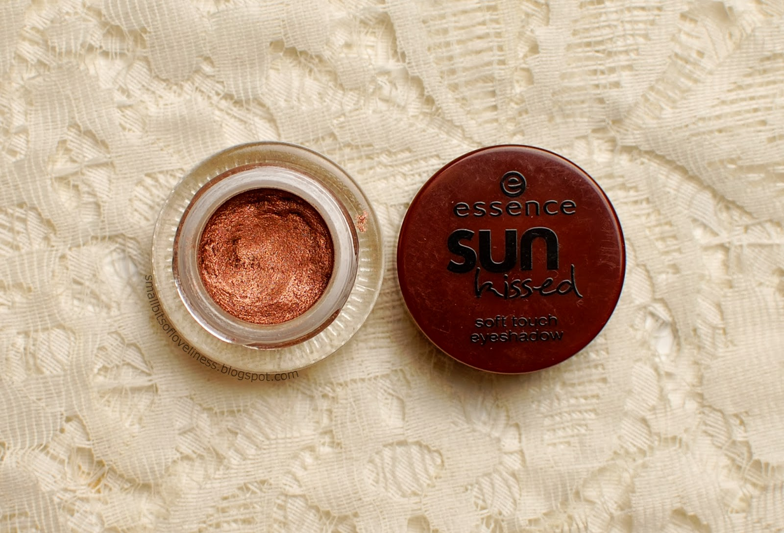 Essence Sun Kissed Soft Touch Eyeshadow Hello Summer