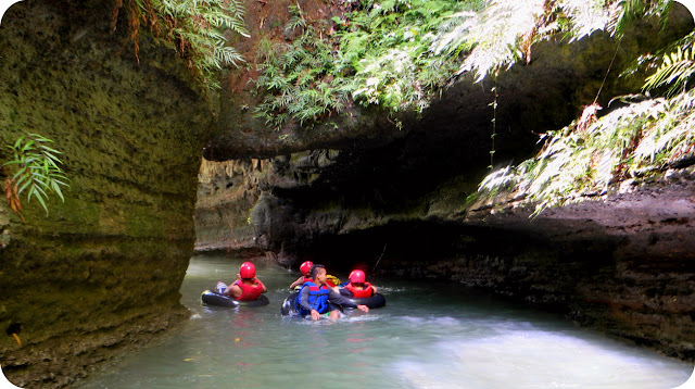 Body+Rafting+River+Tubing+Santirah+Pangandaran+Green+Canyon