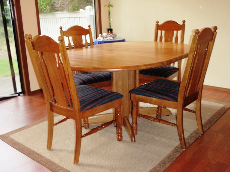 Unique upon it gig harbor for sale oval solid oak dining for Unusual dining tables for sale