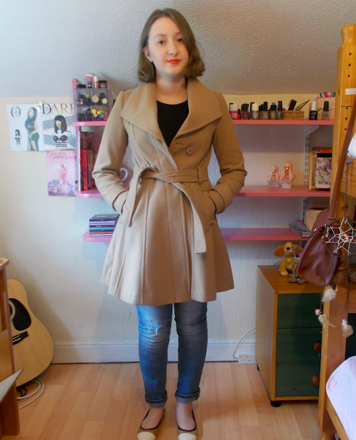 How I style a thrifted camel coat from Primark! // OOTD