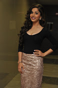 Aparna Bajpai sizzling photo shoot-thumbnail-20