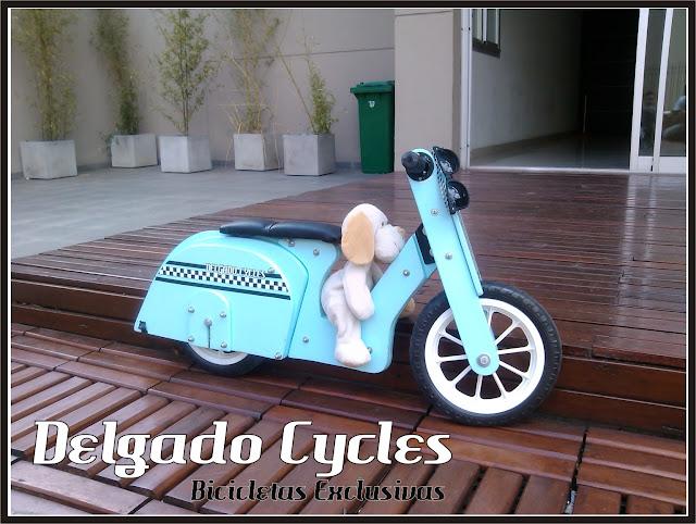Vespita bicicleta de aprendizaje - Delgado Cycles 2013