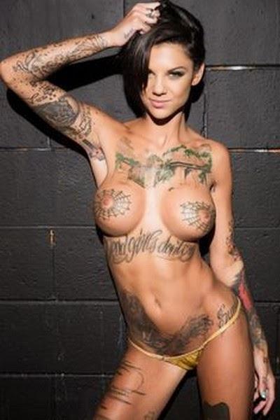 Cewek Cantik Telanjang Pames Tattoo
