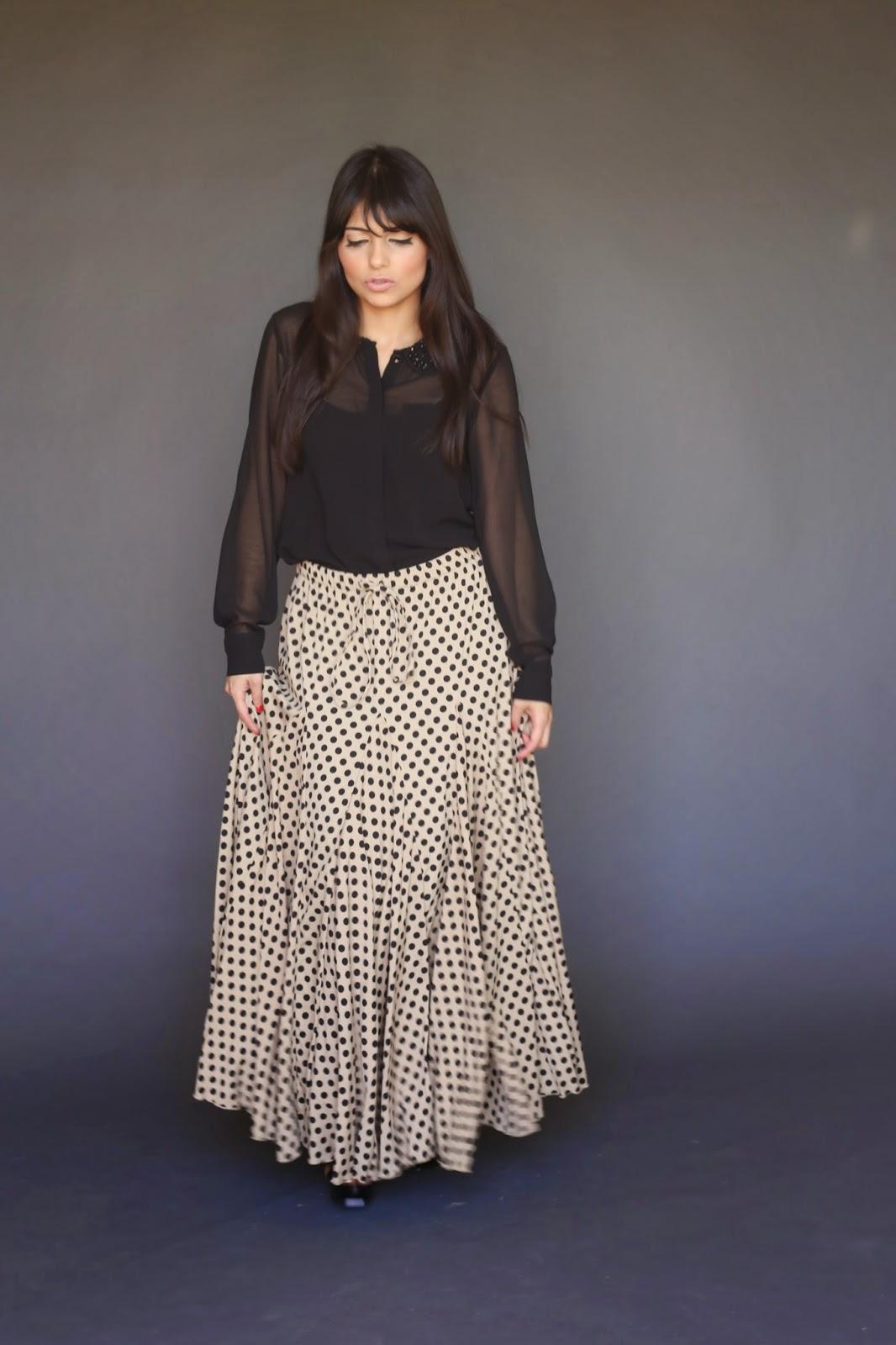 black polkadot modest maxi skirt on beige background no slits hijab tznius mormon lds fashion style Mode-sty