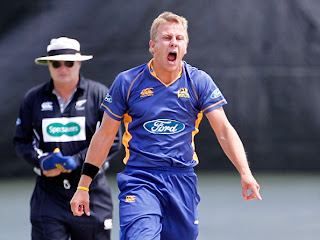 Neil Wagner bowling