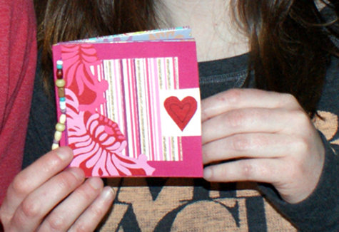 DIY Handmade Valentine's Day Quote Book - Homemade Valentine's Day Gift Idea