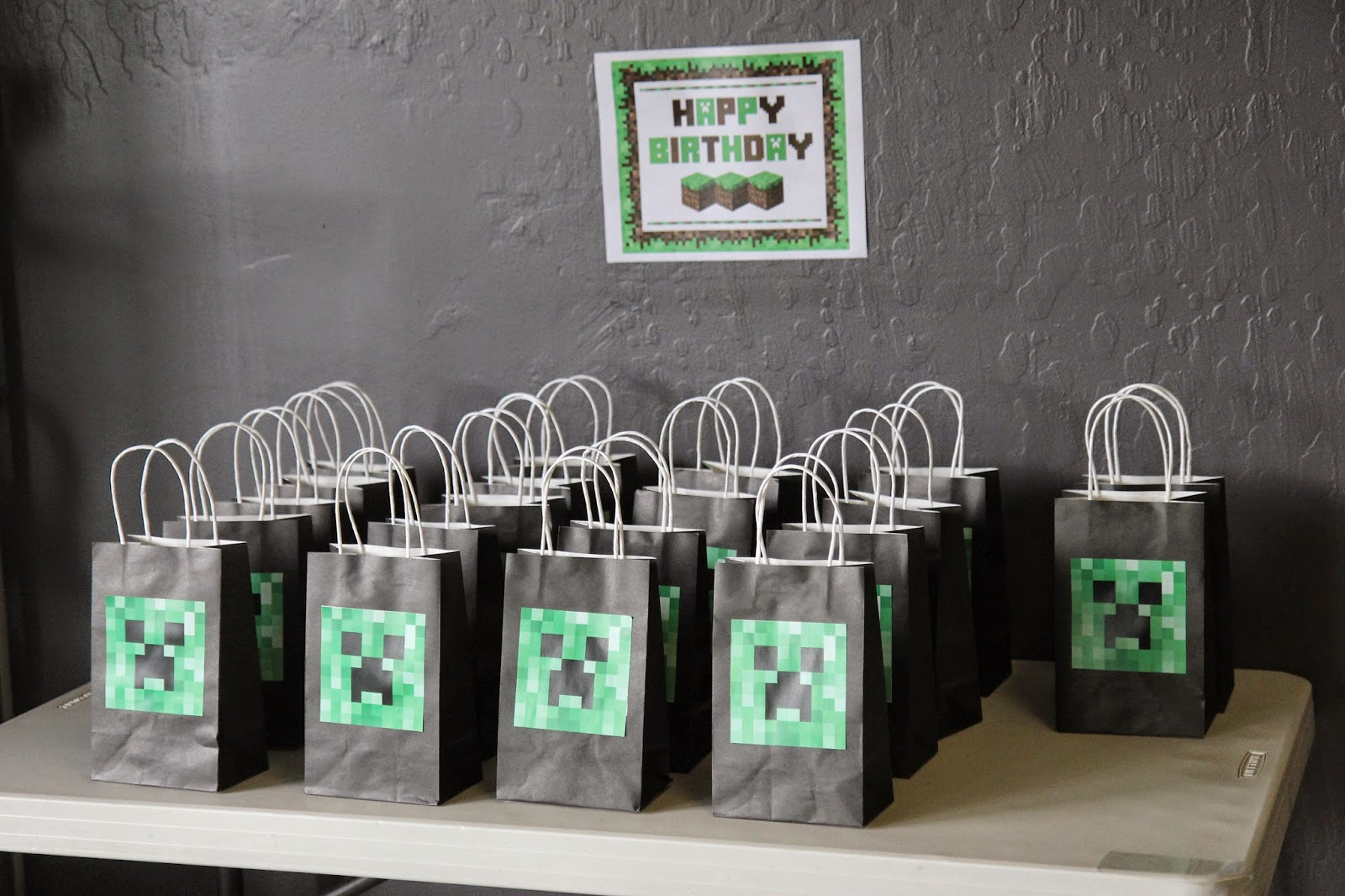 Minecraft Party Decorations The Kk Report Andrews Minecraft Lego Birthday Party
