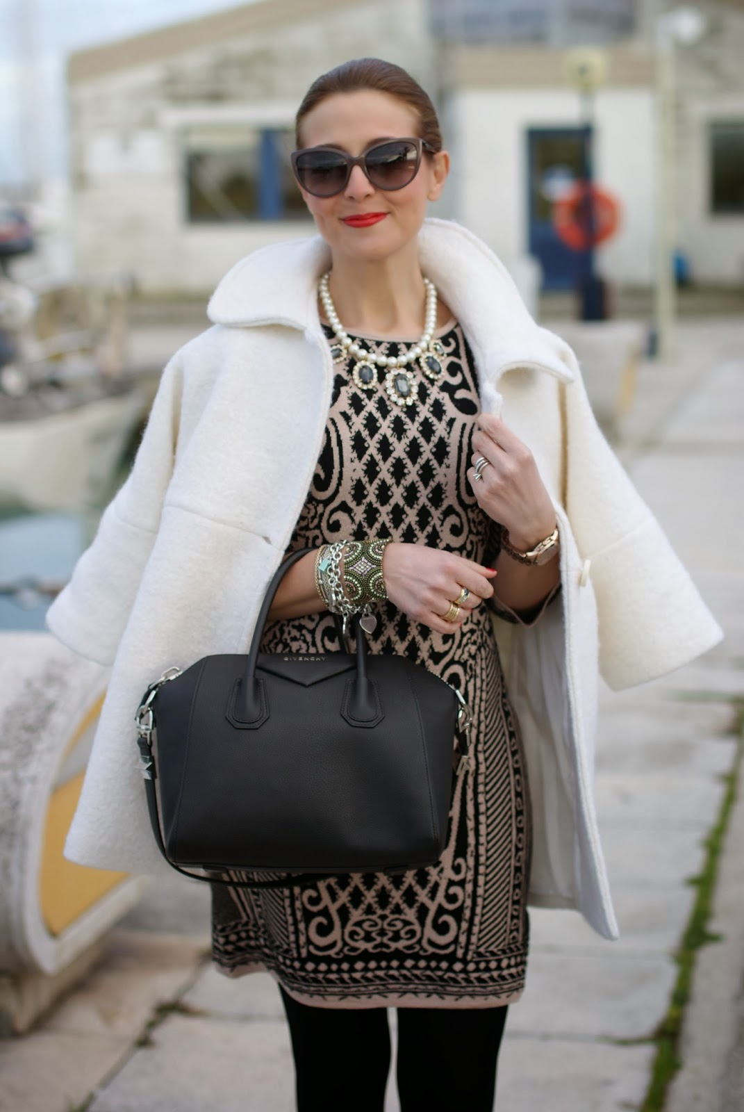 Chicwish cream coat, Givenchy Antigona bag, Moschino sunglasses, Fashion and Cookies, fashion blogger