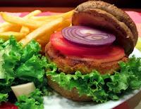 Hambúrguer de Grão-de-Bico Defumado (vegana)