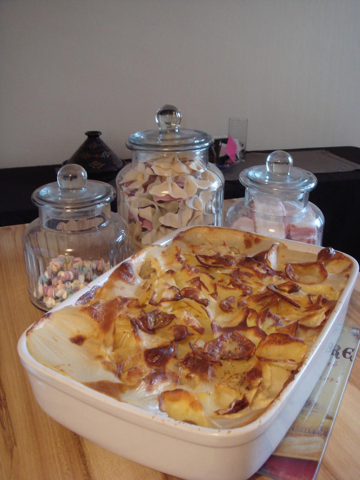 les recettes d 39 emilie gratin de pommes de terre et poivrons. Black Bedroom Furniture Sets. Home Design Ideas