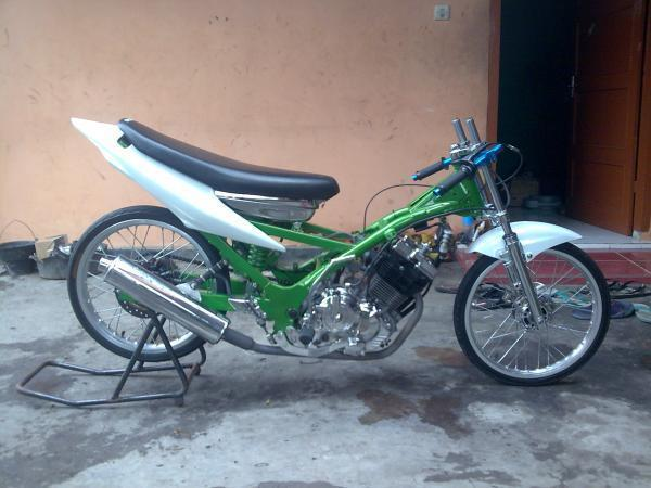 airbrush honda scoopy modifikasi motor untuk freestyle cb modifikasi  title=