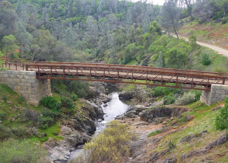 Canyon View Bridge in Hidden Falls Regional Park, California