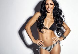 Bella Falconi tem mais de 1,5 milhão de seguidores no Instagram. Até em sua gravidez, Bella não largou o fitness. Fernanda leva o mundo fitness realmente a sério, a gata é uma apaixonada por academia e não passa um dia sem malhar.