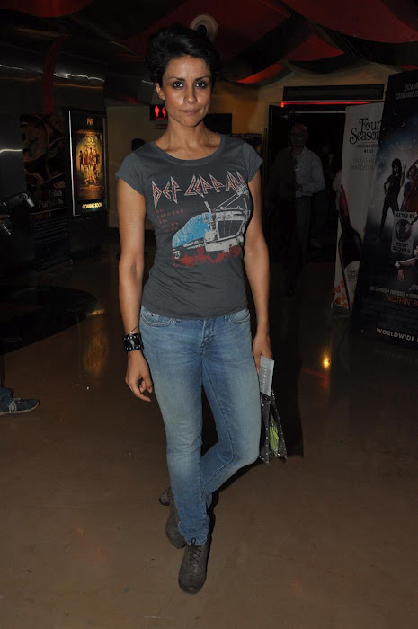 Gul panang is casual yet chic in her denim and a grey tshirt.  - Gul Panag at Rock of Ages premeire.