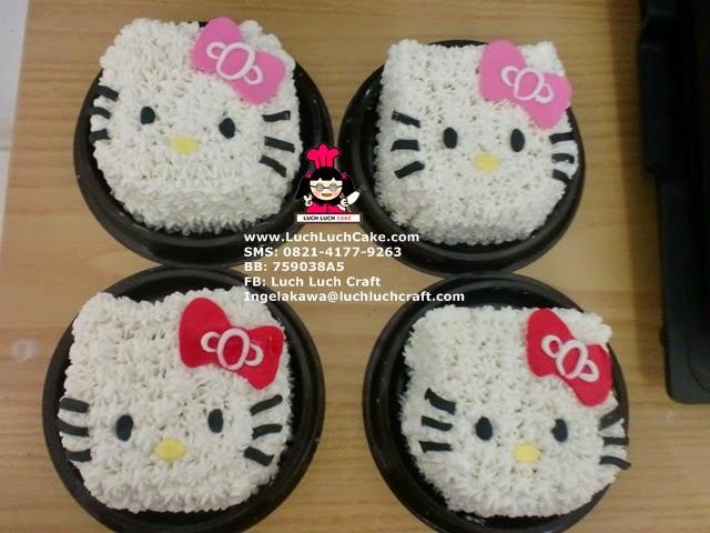 Mini Cake Hello Kitty - Souvenir Ulang Tahun