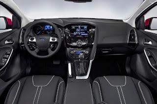 2012-Ford-Focus-25