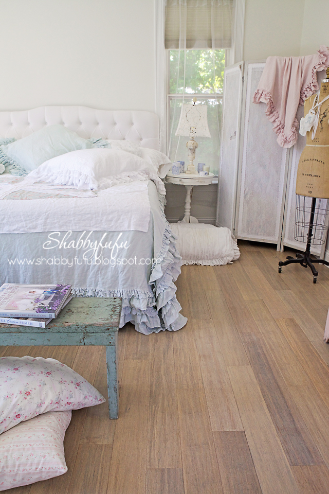 Shabby Chic Bench ~ Benches in the bedroom shabby chic style shabbyfufu