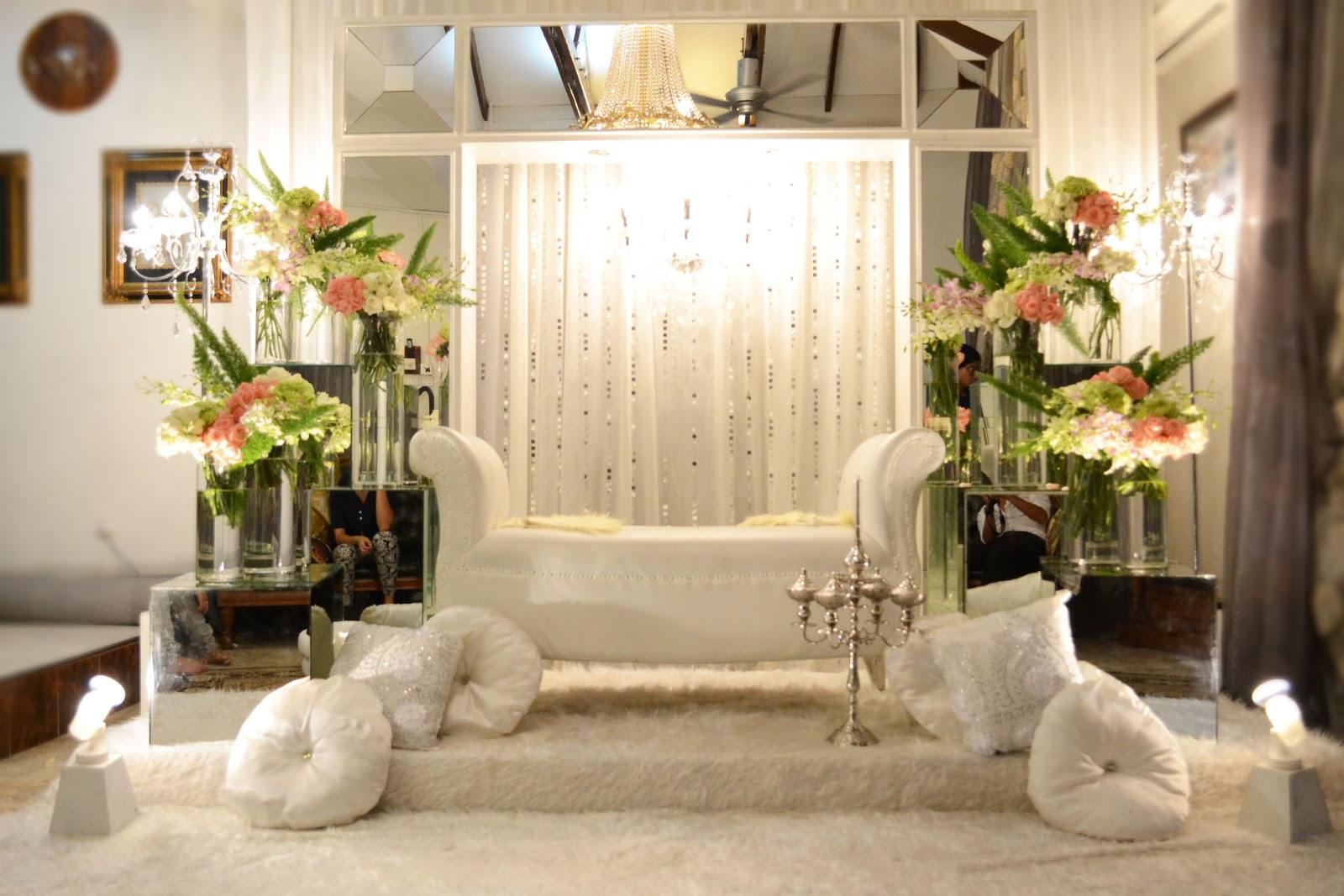Pelamin sanding hanim fl adore wedding design for Sillones antiguos