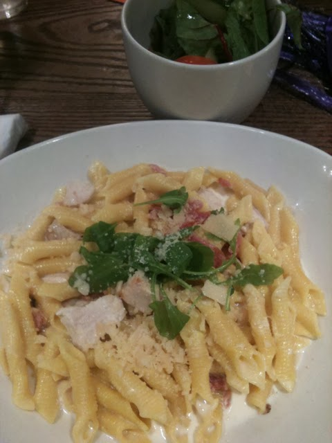 Butlins Beachcomber Inn Carbonara with chicken