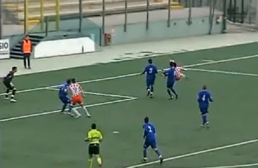 Teramo striker Gerardo Masini scores with a brilliant scissor kick against Atessa Val di Sangro