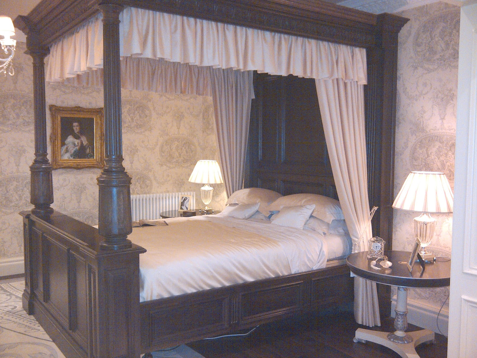 TRADITION INTERIORS OF NOTTINGHAM Clive Christian Luxury - Clive christian bedroom furniture