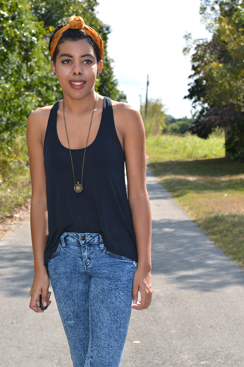 Fashion Blogger Anais Alexandre of Down to Stars wearing a Primark scarf with Forever 21 top and pants
